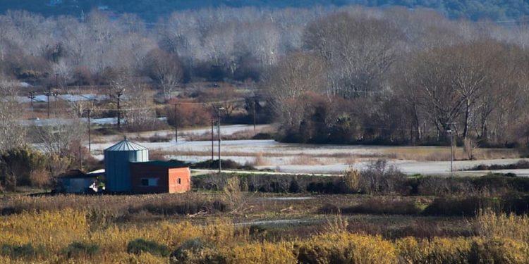 """""""Φούσκωσε"""" από τις βροχές ο ποταμός Αχέροντας- Ελεγχόμενη μέχρι στιγμής η κατάσταση (φωτογραφίες-βίντεο)"""